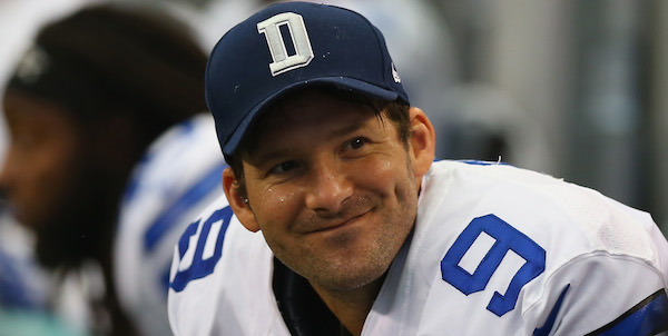 ARLINGTON, TX - SEPTEMBER 22:   Tony Romo #9 of the Dallas Cowboys at AT&T Stadium on September 22, 2013 in Arlington, Texas.  (Photo by Ronald Martinez/Getty Images)